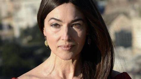 monica bellucci ora monika beluchchi sin maquillaje y quot photoshop quot la actriz
