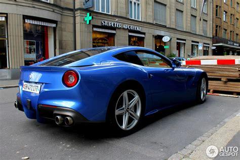 Ferrari Berlinetta Blue by Il Colore Blu Mirabeau Sta Molto Bene Sulla Ferrari