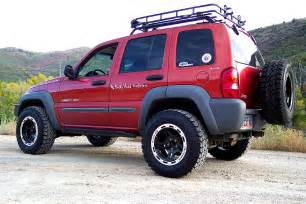 what size tires are on a 2002 jeep liberty
