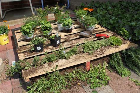 How To Shimmer Your Pallet Garden Pallet Furniture Pallet Garden Ideas