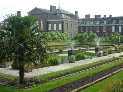 who lives in kensington palace kensington palace simple sojourns