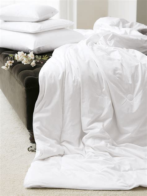 silk filled duvet that s home and household gingerlily s a grade mulberry silk duvets for autum winter