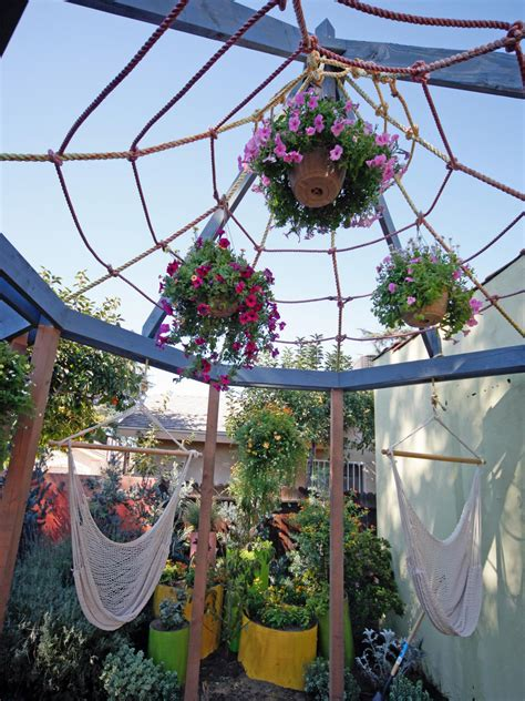 Diy Hanging L Shade by 5 Diy Shade Ideas For Your Deck Or Patio Hgtv S