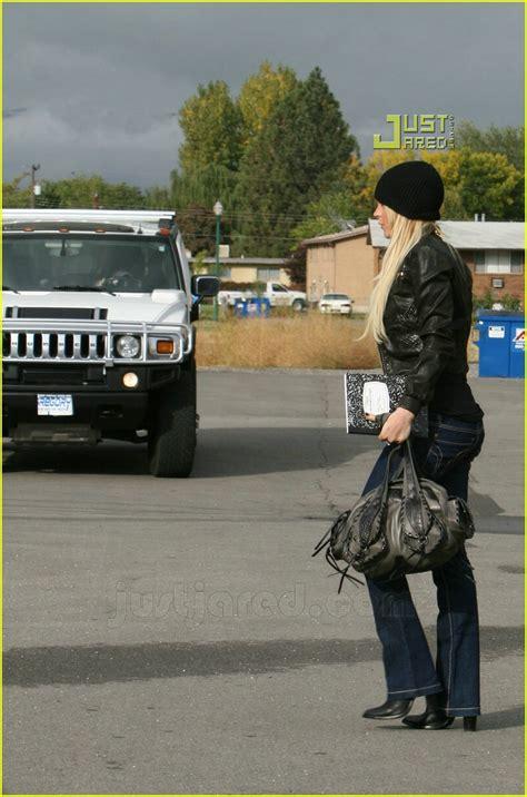 Lohan Out Of Rehab by Lindsay Lohan Checks Outta Rehab Photo 642871 Dina