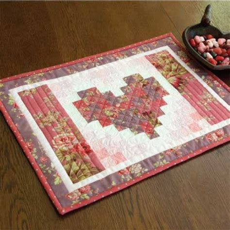 free printable quilted placemat patterns 49 best table runners and other table quilt patterns