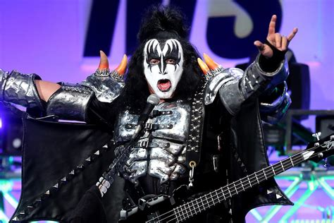 Gene Simmons coven threaten to sue gene simmons if he trademarks rock