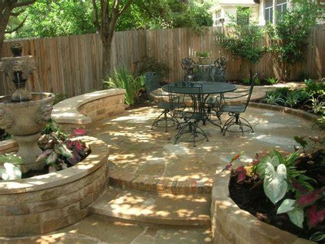 austin backyard design m 225 s de 1000 im 225 genes sobre jardin seco dry garden