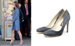 Super Comfortable Shoes Style News Celebrity Fashion Trends And Decor Huffpost
