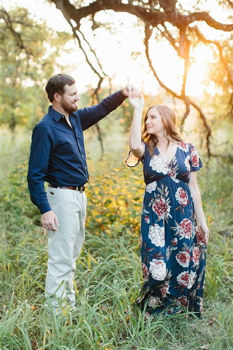 casual outdoor engagement session  virginia ann