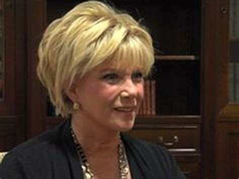 joan lunden hairstyles 2014 pictures make me beautiful on pinterest jane fonda manicures and