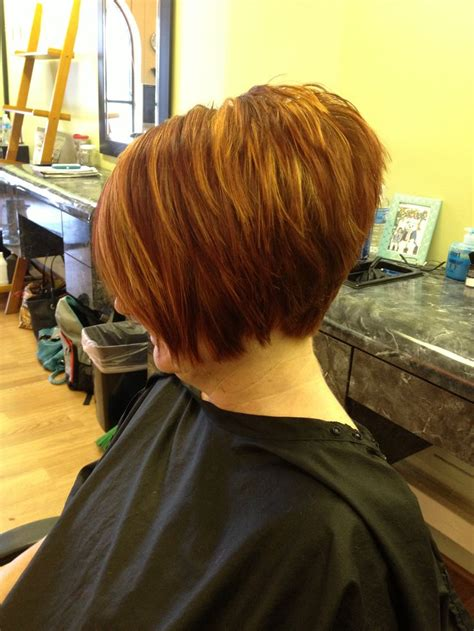 woman inverted layered bob wedged into neck for thick hair in 40s 17 best images about haircut on pinterest bobs short