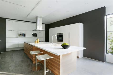pareti cucina moderna 100 idee cucine moderne in legno bianche nere colorate