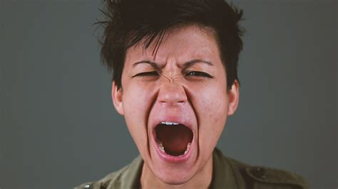 yawning images can you this without yawning