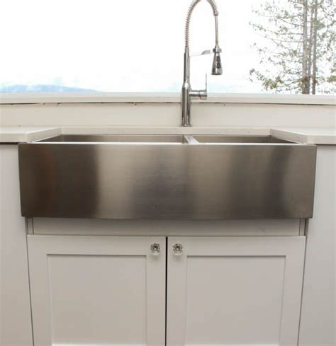 black stainless steel farmhouse sink 1000 images about farmhouse sinks on black