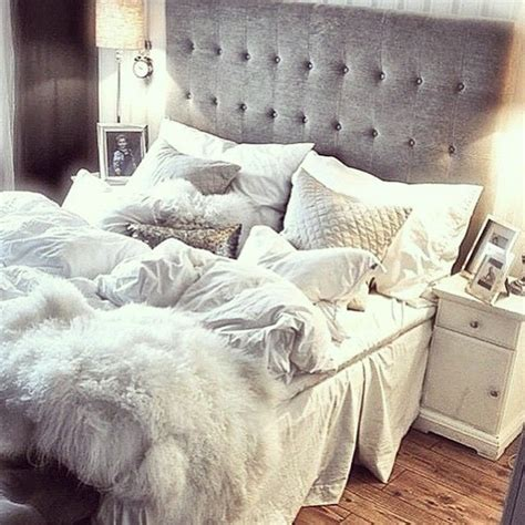 fluffy bed comforters best 25 comfy bed ideas on pinterest grey fur throw