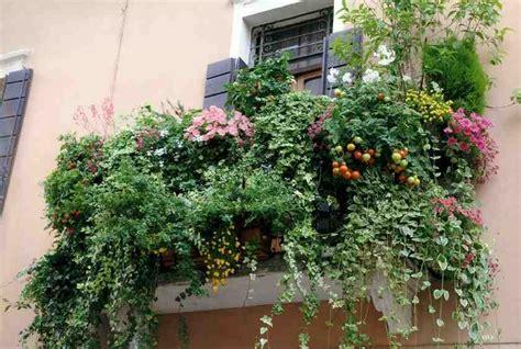 Super Foto Di Terrazzi Fioriti #1: balconi-fioriti-2.jpg