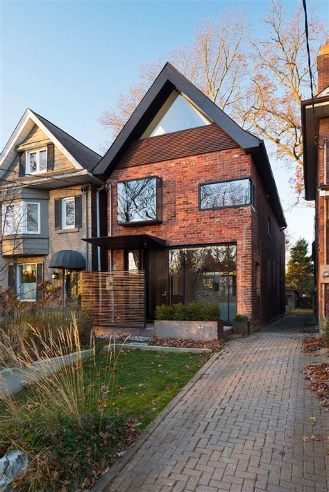 a century toronto house is enlivened for a new age