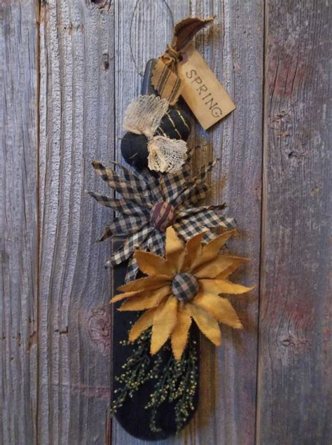 Primitive Handmade Crafts - primitive handmade fabric daisies bee on wood kitchen