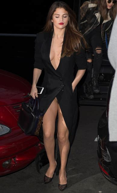 tania llasera wardrobe malfunction omg selena gomez shows her privates as she suffers