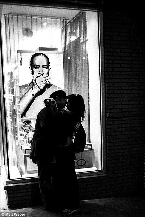 Le photographe Matt Weber prend en photo des couples