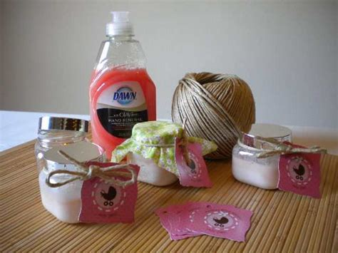 Handmade Baby Shower Favor Ideas - delight summer guests with these baby