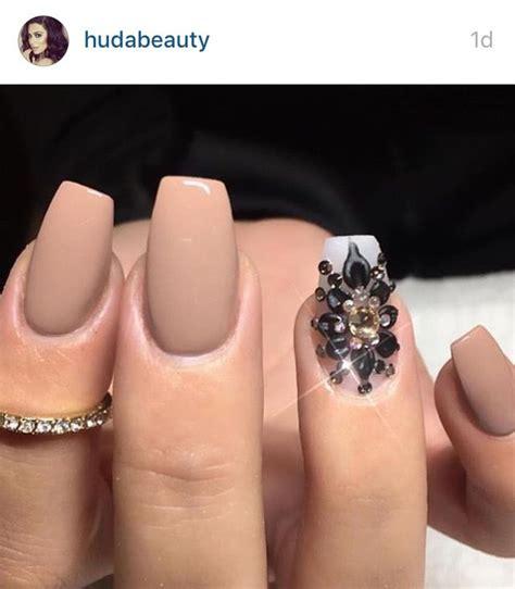 matte tan tan nails with glitter huda kattan matte hudabeauty