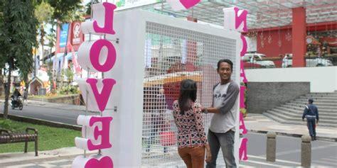 Gembok Cinta mui gembok cinta terkesan izinkan remaja berpacaran