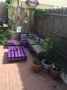 How To Make Patio Furniture With Pallets by Patio Sitting Furniture Made From Pallets