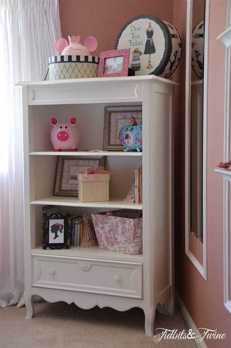 where to put your clothes in the bedroom room tour my daughter s bedroom tidbits twine