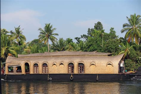 house boat india backwaters of kerala best on a houseboat travelgeekery