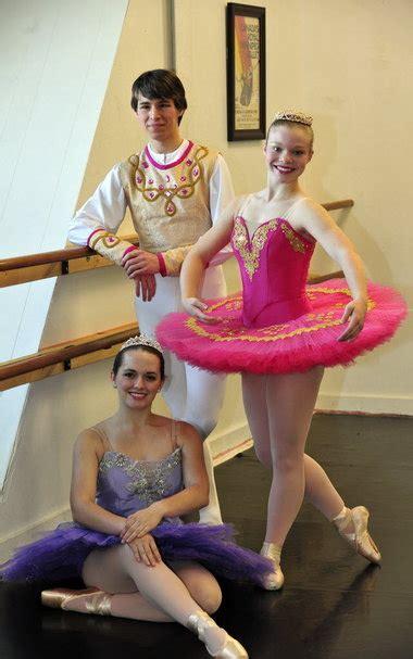 Nutcracker Keren alabama youth ballet opens season with nutcracker dec 2 4 al