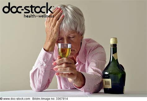 Senioren Zu Hause 1 Alkohol Alt Betrunken Depression