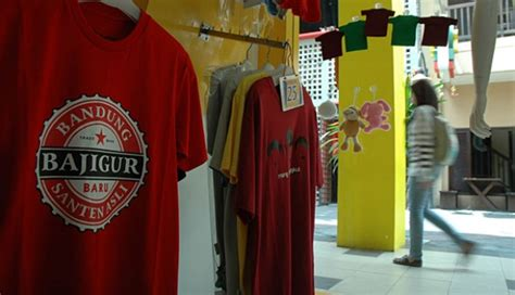 Kaos Bandung Oblong Baong Heroes pertumbuhan ekonomi jawa barat meningkat nasional tempo co