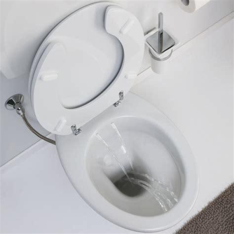 vaso e bidet integrati water bidet con erogatore tre fori anteriori e due posteriori