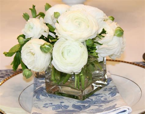 small flower arrangements centerpieces stranded in cleveland mother s day table d 233 cor blue