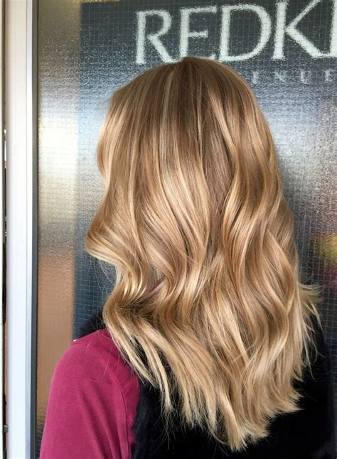hairstyles with blonde and caramel highlights caramel base with honey blonde highlights hairstyles for