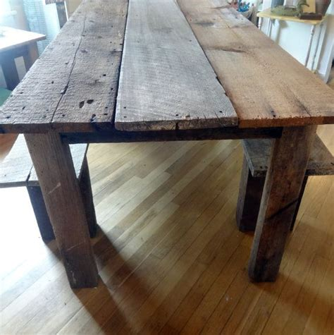 Rugged Bed Cover Rustic Farmhouse Reclaimed Barn Wood Table And Benches