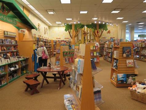 barnes and noble kids section ventura gateway shopping center