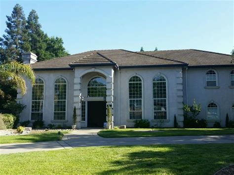 here s some mansions you can buy in sacramento for the