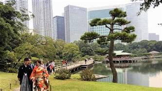 hama rikyu gardens accessible japan