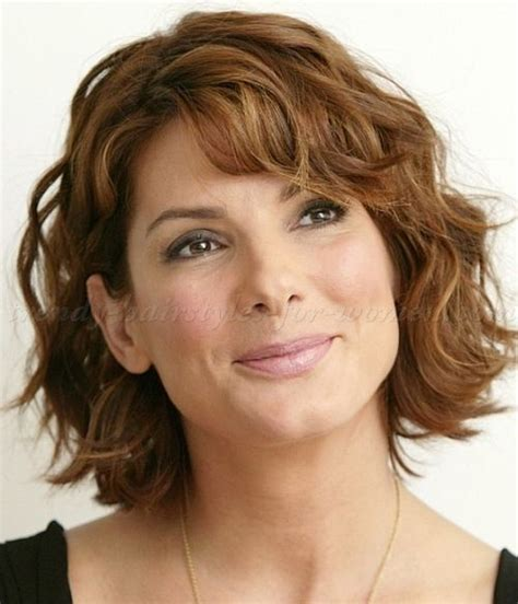 short trendy hair cut for a 50 year old best 25 wavy medium hairstyles ideas on pinterest