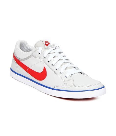 nike white lifestyle shoes price in india buy nike white