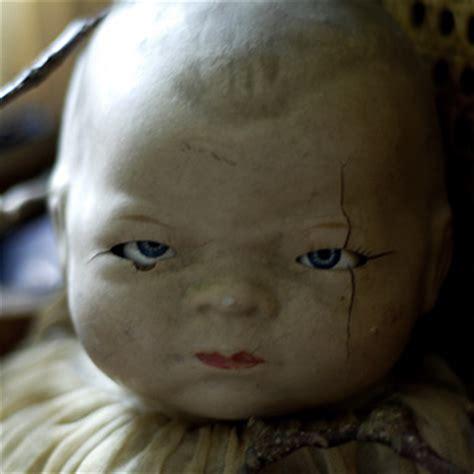 anorak news creepy doll  sleep tight
