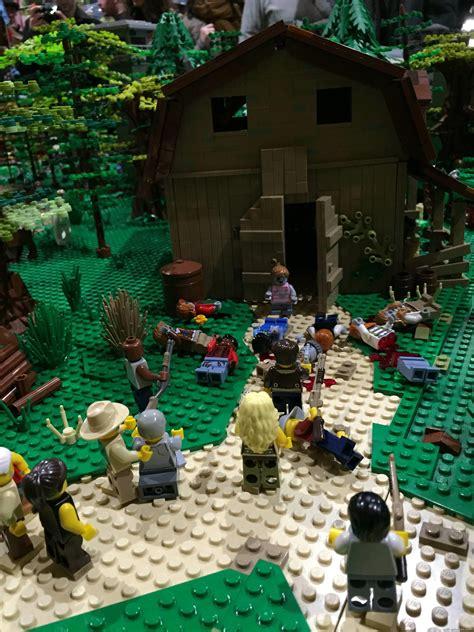 La Grange Du Ch Ti by Walking Dead Les D 233 Cors De La S 233 Rie Construits En Lego