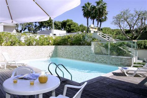 appart city hotel appart city antibes roomforday