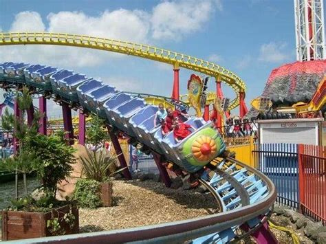 theme park lincolnshire the rhombus rocket fantasy island picture of fantasy