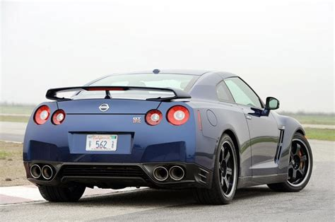 electric and cars manual 2012 nissan gt r user handbook first drive 2012 nissan gt r autoblog