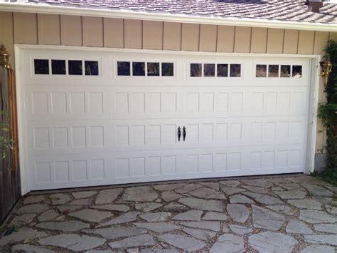 Oak Summit Garage Door Non Traditional Steel Garage Doors Gallery Dyer S Garage Doors Garage Door And Opener