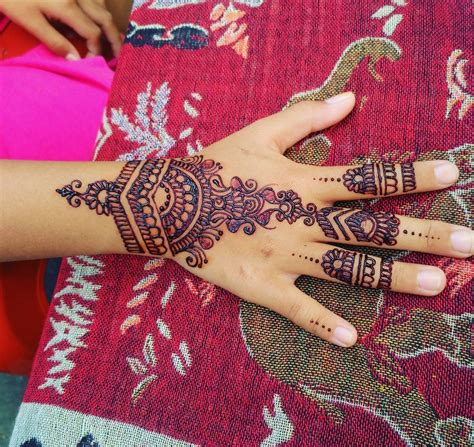 how do they do henna tattoos henna last makedes