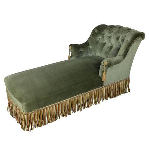 green velvet chaise lounge elegant french chaise longue in green velvet at 1stdibs